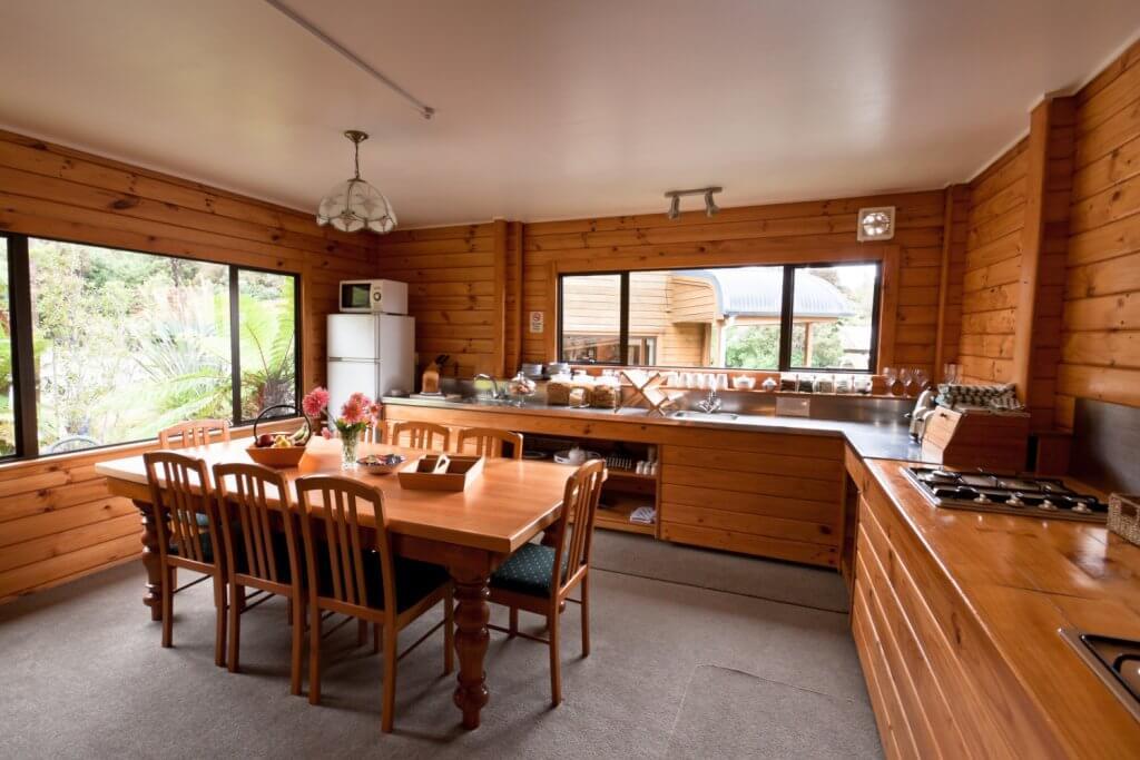 מטבח כפרי מעץ אורן