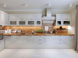 מטבח לבן בשילוב עץ